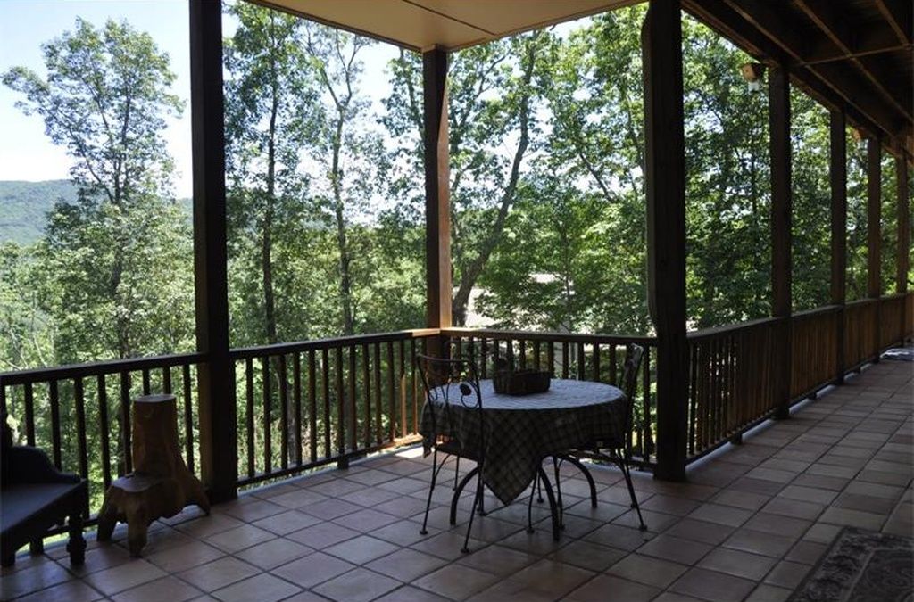 252 Sharptop Mountain Trail in Bent Tree