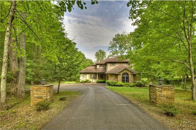 10 Alpine Drive in Bent Tree (listing photo)