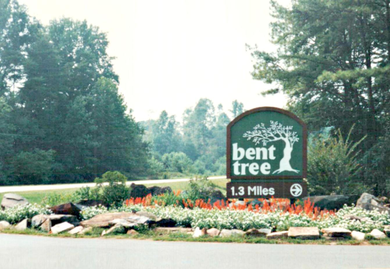 1991 Cove Road Sign