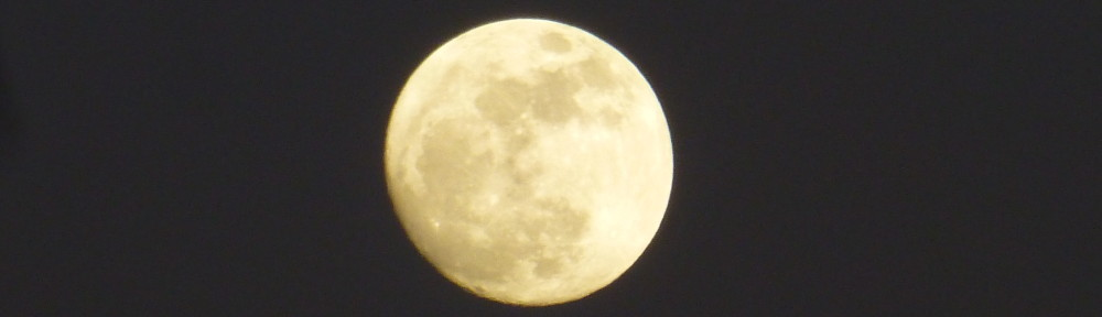 cropped-P1710335-2017-1231-full-wolf-moon.jpg