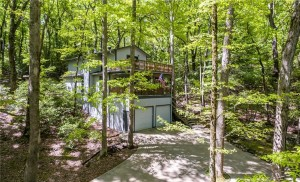 3872 Tamarack Dr (listing photo)