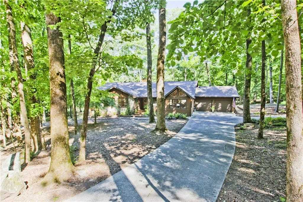 1181 Crippled Oak Trail in Bent Tree (agent's listing photo)